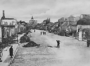 World War I 1914-1918: Street in the east Prussian town of Ortelsbourg destroyed by Russioan bombardment, August 1915. Ruins, Debris, Rubble