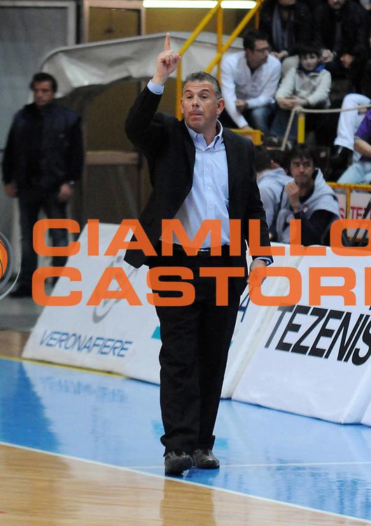 DESCRIZIONE : Verona Campionato Lega Basket A2 2011-12 Tezenis Verona Sigma Barcellona<br /> GIOCATORE : Luigi Garelli<br /> SQUADRA : Tezenis Verona<br /> EVENTO : Campionato Lega Basket A2 2011-2012<br /> GARA : Tezenis Verona Sigma Barcellona<br /> DATA : 15/11/2011<br /> CATEGORIA : Allenatore<br /> SPORT : Pallacanestro <br /> AUTORE : Agenzia Ciamillo-Castoria/L.Lussoso<br /> Galleria : Lega Basket A2 2011-2012 <br /> Fotonotizia : Verona Campionato Lega Basket A2 2011-12 Tezenis Verona Sigma Barcellona<br /> Predefinita :