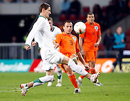 17-10-2007: Voetbal: Nederland-Slovenie: Eindhoven<br /> John Heitinga<br /> Foto: Geert van Erven