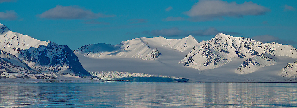 Alberto Carrera, Arctic Lands, Snowcapped Mountains, Oscar II Land, Arctic, Spitsbergen, Svalbard, Norway, Europe