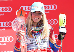 18.03.2017, Aspen, USA, FIS Weltcup Ski Alpin, Finale 2017, Slalom, Damen, Siegerehrung, im Bild Mikaela Shiffrin (USA, 2. Platz und Slalom-Weltcupsiegerin)z) mit der Kristrallkugel für den Slalom Weltcupsieg // second placed and Slalom World Cup winner Mikaela Shiffrin of the USA With the crystal gobe for the ladie's Slalom World Cup during the winner award ceremony for the ladie's Slalom of 2017 FIS ski alpine world cup finals. Aspen, United Staates on 2017/03/18. EXPA Pictures © 2017, PhotoCredit: EXPA/ Erich Spiess