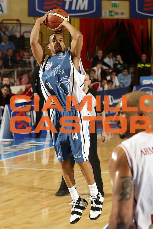 DESCRIZIONE : Forli Lega A1 2005-06 Coppa Italia Final Eight Tim Cup Armani Jeans Milano Carpisa Napoli <br /> GIOCATORE : Greer <br /> SQUADRA : Carpisa Napoli <br /> EVENTO : Campionato Lega A1 2005-2006 Coppa Italia Final Eight Tim Cup Quarti Finale <br /> GARA : Armani Jeans Milano Carpisa Napoli <br /> DATA : 17/02/2006 <br /> CATEGORIA : Tiro <br /> SPORT : Pallacanestro <br /> AUTORE : Agenzia Ciamillo-Castoria/E.Pozzo<br /> Galleria: Coppa Italia 2005-2006<br /> Fotonotizia: Forli Campionato Italiano Lega A1 2005-2006 Coppa Italia Final Eight Tim Cup Quarti Finale Armani Jeans Olimpia Milano Carpisa Napoli<br /> Predefinita: