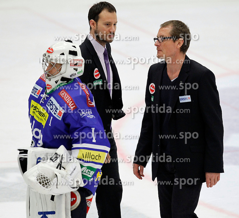 30.03. 2014, Stadthalle, Villach, AUT, EBEL, EC VSV vs HCB Suedtirol, Playoff Halbfinale 4. Runde, im Bild Jean Philippe Lamoureux (VSV,#1), Marc Brown (VSV,Co-Trainer) und Hannu Jaervenpaeae (VSV,Trainer) // during the Erste Bank Icehockey League Playoff Semifinal 4th Round match between EC VSV vs HCB Suedtirol at the City Hall, Villach, Austria, 2014/03/30, EXPA Pictures © 2014, PhotoCredit: EXPA/ Oskar Hoeher
