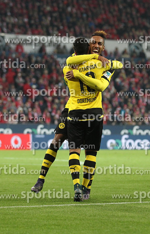 16.10.2015, Coface Arena, Mainz, GER, 1. FBL, 1. FSV Mainz 05 vs Borussia Dortmund, 9. Runde, im Bild Henrikh Mkhitaryan (Borussia Dortmund) bejubelt seinen Treffer zum 0:2 mit Pierre Emerick Aubameyang (Borussia Dortmund) // during the German Bundesliga 9th round match between 1. FSV Mainz 05 and Borussia Dortmund at the Coface Arena in Mainz, Germany on 2015/10/16. EXPA Pictures &copy; 2015, PhotoCredit: EXPA/ Eibner-Pressefoto/ Neis<br /> <br /> *****ATTENTION - OUT of GER*****