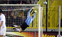 BRUGGE - BRUGES 24/08/2005  <br /> SPORT / FOOTBALL / VOETBAL / CHAMPIONS LEAGUE QUALIFICATION / CLUB BRUGGE - VÅLERENGA  / CLUB BRUGES - VALERENGEN / <br />  ARNI GAUTUR ARASON<br />  /Photo: Digitalsport<br /> Norway only
