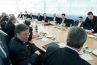 05 JAN 2009, BERLIN/GERMANY:<br /> Peter Struck, SPD Fraktionsvorsitzender, Franz Muentefering, SPD Parteivorsitzender, Frank-Walter Steinmeier, SPD, Bundesaussenminister, Hubertus Heil, SPD Generalsekretaer, und Kajo Wasserhoevel, SPD Bundesgeschaeftsfuehrer, Heinrich Riemann, Staatssekretaer im Auswaertigen Amt, (3.v.L. - R., rechte Tischseite)  vor Beginn der Sitzung der SPD -Koordinierungsrunde-Bund-Laender-Komunen, Willy-Brandt-Haus<br /> IMAGE: 20090105-01-018<br /> KEYWORDS: Franz M&uuml;ntefering