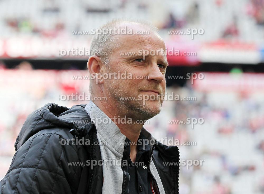 11.04.2015, Allianz Arena, Muenchen, GER, 1. FBL, FC Bayern Muenchen vs Eintracht Frankfurt, 28. Runde, im Bild Chef-Trainer Thomas Schaaf (Eintracht Frankfurt) // during the German Bundesliga 28th round match between FC Bayern Munich and Eintracht Frankfurt at the Allianz Arena in Muenchen, Germany on 2015/04/11. EXPA Pictures &copy; 2015, PhotoCredit: EXPA/ Eibner-Pressefoto/ Kolbert<br /> <br /> *****ATTENTION - OUT of GER*****