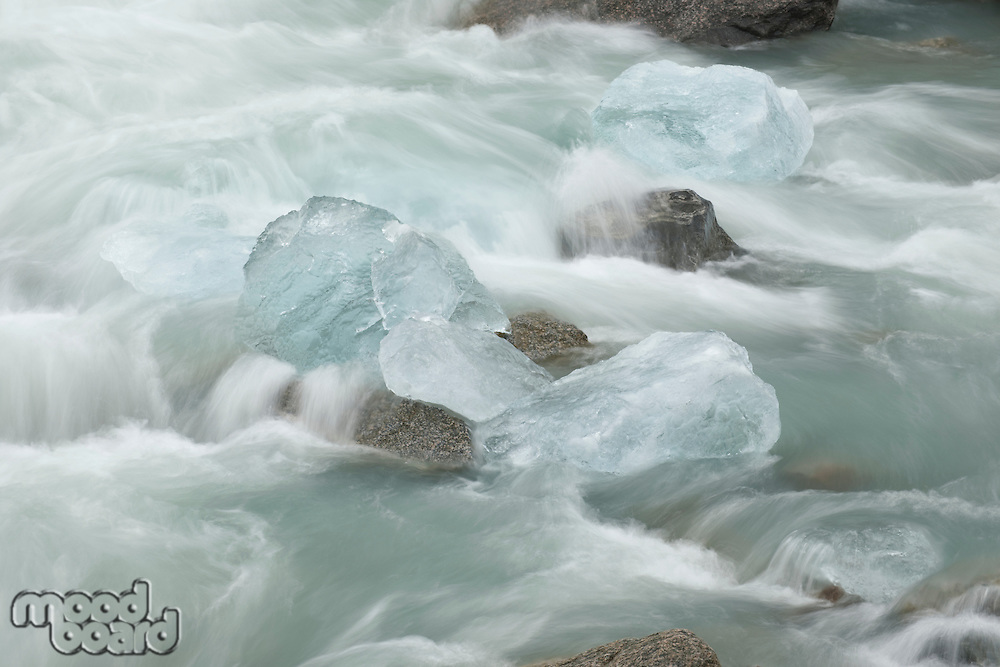 Wtare flowing and ice pieces Norway