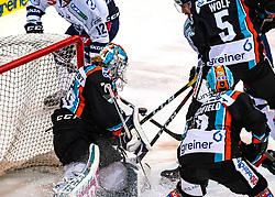 05.01.2020, Keine Sorgen Eisarena, Linz, AUT, EBEL, EHC Liwest Black Wings Linz vs Fehervar AV 19, 36. Runde, im Bild v.l. Tormann David Kickert (EHC Liwest Black Wings Linz), Felix Girard (Fehervar AV 19), Raphael Wolf (EHC Liwest Black Wings Linz) // during the Erste Bank Eishockey League 36th round match between EHC Liwest Black Wings Linz and Fehervar AV 19 at the Keine Sorgen Eisarena in Linz, Austria on 2020/01/05. EXPA Pictures © 2020, PhotoCredit: EXPA/ Reinhard Eisenbauer