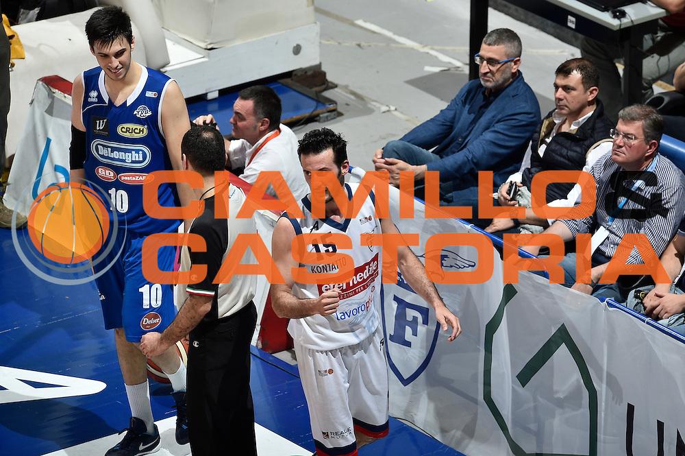 DESCRIZIONE : LNP Playoff Serie A2 Citroen 2015- 2016 Semifinale Gara 3 Eternedile Bologna - De Longhi Treviso<br /> GIOCATORE : Gennaro Sorrentino<br /> CATEGORIA : esultanza<br /> SQUADRA : Eternedile Bologna<br /> EVENTO : LNP Playoff Serie A2 Citroen 2015- 2016<br /> GARA : Playoff Semifinale Gara 3 Eternedile Bologna - De Longhi Treviso<br /> DATA : 04/06/2016<br /> SPORT : Pallacanestro <br /> AUTORE : Agenzia Ciamillo-Castoria/Max.Ceretti