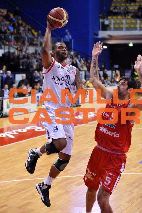 DESCRIZIONE : Biella Lega A 2012-13 Angelico Biella Cimberio Varese<br /> GIOCATORE : Trey Johnson<br /> CATEGORIA : Tiro Penetrazione<br /> SQUADRA : Angelico Biella <br /> EVENTO : Campionato Lega A 2012-2013 <br /> GARA : Angelico Biella Cimberio Varese<br /> DATA : 11/11/2012<br /> SPORT : Pallacanestro <br /> AUTORE : Agenzia Ciamillo-Castoria/S.Ceretti<br /> Galleria : Lega Basket A 2012-2013  <br /> Fotonotizia : Biella Lega A 2012-13 Angelico Biella Cimberio Varese<br /> Predefinita :