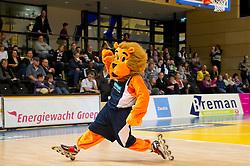 13-03-2011 BASKETBAL: HEREN ALL STAR GALA: ZWOLLE<br /> Mascotte van De Friesland Aris Leeuwarden, leeuw<br /> ©2011-WWW.FOTOHOOGENDOORN.NL / Peter Schalk