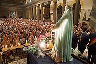 Roma 30 Luglio 2012..Venerabile Arciconfraternita del SS.mo Sacramento e di Maria Ss. del Carmine in Trastevere a Roma fondata nell' anno 1539. I Solenni Festeggiamenti e la processione in onore della Madonna Fiumarola.I fedeli nella chiesa di Santa Maria in Trastevere.The Solemn Celebrations and processions in honor of Madonna Fiumarola..http://www.arciconfraternitadelcarmine.it.http://eternallycool.net/?p=285