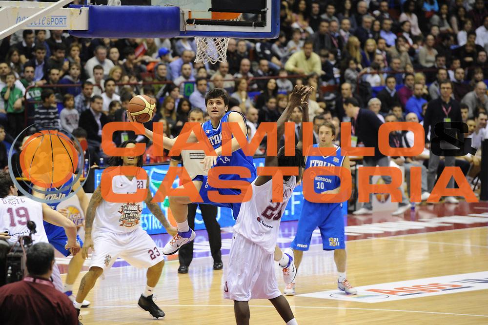 DESCRIZIONE : Milano Agos Ducato All Star Game 2011<br /> GIOCATORE : Alessandro Gentile<br /> SQUADRA : Italia Nazionale Maschile<br /> EVENTO : All Star Game 2011<br /> GARA : Italia All Star Team<br /> DATA : 13/03/2011<br /> CATEGORIA : Tiro<br /> SPORT : Pallacanestro<br /> AUTORE : Agenzia Ciamillo-Castoria/GiulioCiamillo<br /> Galleria : FIP Nazionali 2011<br /> Fotonotizia :  Milano Agos Ducato All Star Game 2011<br /> Predefinita :