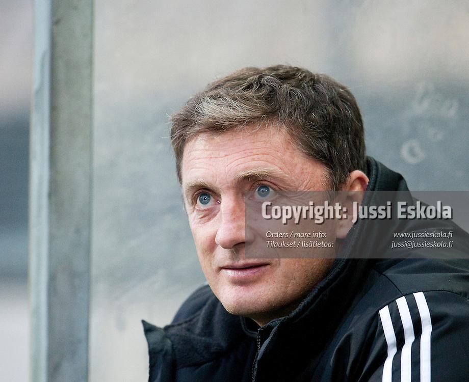 John Allen. PK-35 - RoPS. Ykkönen. Vantaa 3.10.2010. Photo: Jussi Eskola
