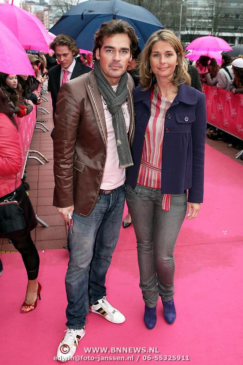 NLD/Utrecht/20080309 - Premiere musical Dirty Dancing, Jeroen van der Boom en partner Dany de Wit