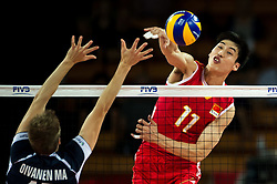 13.09.2014, Centennial Hall, Breslau, POL, FIVB WM, Finnland vs China, 2. Runde, Gruppe F, im Bild Matti Oivanen finland #15 Xin Geng china #11 // On the picture: Matti Oivanen finland #15 Xin Geng china #11 during the FIVB Volleyball Men's World Championships 2nd Round Pool F Match beween Finland and China at the Centennial Hall in Breslau, Poland on 2014/09/13. EXPA Pictures © 2014, PhotoCredit: EXPA/ Newspix/ Sebastian Borowski<br /> <br /> *****ATTENTION - for AUT, SLO, CRO, SRB, BIH, MAZ, TUR, SUI, SWE only*****