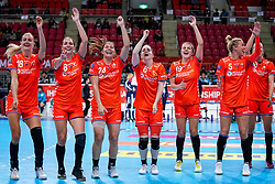 06-12-2019 JAP: Norway - Netherlands, Kumamoto<br /> Last match groep A at 24th IHF Women's Handball World Championship. / The Dutch handball players won in an exciting game of fear gegner Norway and wrote in the last group match at the World Handball  World Championship history (30-28). / Kelly Dulfer #18 of Netherlands, Lois Abbingh #8 of Netherlands, Martine Smeets #24 of Netherlands, Laura van der Heijden #6 of Netherlands, Merel Freriks #19 of Netherlands, Jessy Kramer #5 of Netherlands