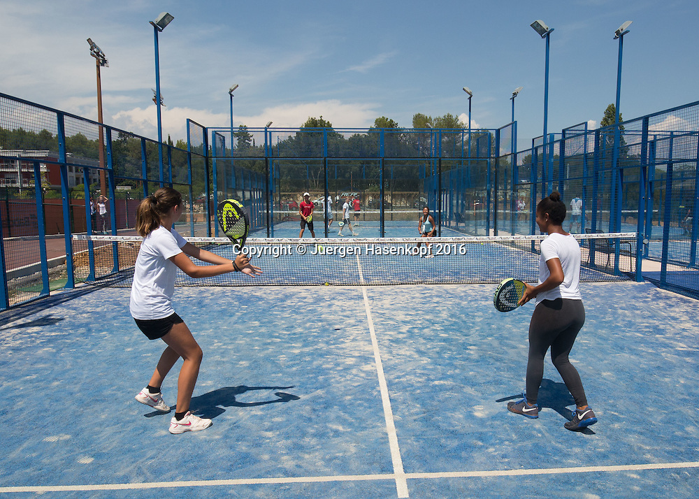 Mouratoglou Tennis Academy M.T.A Sophia Country Club, Biot, FRA.<br /> girls playing padle,<br />  - Mouratoglou Tennis Academy  -  -   Sophia Country Club, - Biot -  - Frankreich  - 27 July 2016. <br /> &copy; Juergen Hasenkopf