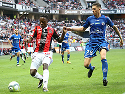 Arnaud Lusamba (L) Nice in duel with Jonas Martin Strasbourg during the match of League 1 at the Allianz Riviera Stadium in Nice in France on October 22nd, 2017. Nice defeated against Strasbourg 1-2  (Credit Image: © Serge Haouzi/Xinhua via ZUMA Wire)