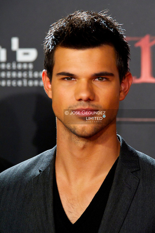 US Actor Taylor Lautner attends the Spain premiere of The Twilight Saga: Breaking Dawn Part 1 at Forum del Centro de Convenciones Internacional in Barcelona, Spain