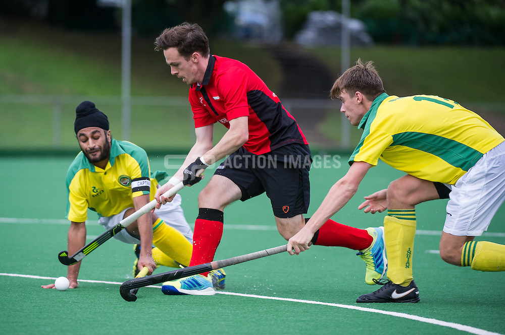 Southgate's Sam Mee drives through the Gymkhana defence as Southgate put in a clinical performance to win 8-0. Southgate v Indian Gymkhana - Men's Hockey League - Conference East, Trent Park, London, UK on 24 September 2016. Photo: Simon Parker #Hockey #menshockeyleague