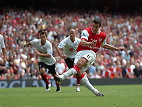Photo: Tony Oudot. <br /> Arsenal v Fulham. Barclays Premiership. 12/08/2007. <br /> Robin Van Persie scores from the penalty spot for Arsenal