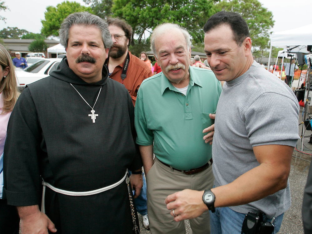 Bob Schindler (C), father of Terri Schiavo, leaves the Woodside Hospice after visiting with her on March 23, 2005 in Pinellas Park, Fla. Photo by Scott Audette/Reuters