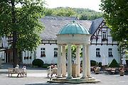 Calcium Brunnen, Kurpark, Bad Suderode, Harz, Sachsen-Anhalt, Deutschland | Calcium Fountain, spa gardens, Bad Suderode, Harz, Saxony-Anhalt, Germany