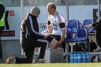 Fotball<br /> Norge<br /> 27.04.2012<br /> Foto: Kenneth Hjelle, Digitalsport<br /> <br /> Tippeligaen<br /> Aalesund v Rosenborg 2:2<br /> <br /> Mikael Dorsin - Rosenborg <br /> Får behandling av Haakon Schwabe