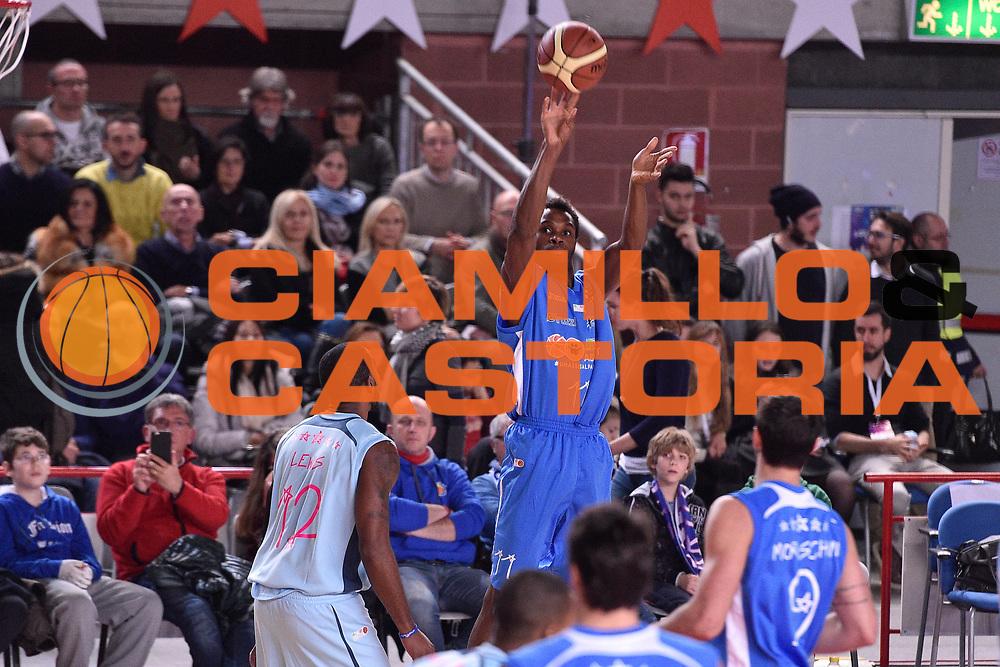 DESCRIZIONE : Mantova LNP 2014-15 All Star Game 2015<br /> GIOCATORE : Eric Lombardi<br /> CATEGORIA : Tiro Tre Punti<br /> EVENTO : All Star Game LNP 2015<br /> GARA : All Star Game LNP 2015<br /> DATA : 06/01/2015<br /> SPORT : Pallacanestro <br /> AUTORE : Agenzia Ciamillo-Castoria/ GiulioCiamillo<br /> Galleria : LNP 2014-2015 <br /> Fotonotizia : Mantova LNP 2014-15 All Star game 2015<br /> Predefinita :