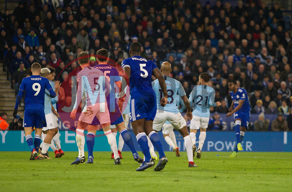 Ricardo Pereira of Leicester City (R) scores his sides second goal - Mandatory by-line: Jack Phillips/JMP - 26/12/2018 - FOOTBALL - King Power Stadium - Leicester, England - Leicester City v Manchester City - English Premier League