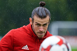 CARDIFF, WALES - Saturday, September 3, 2016: Wales' Gareth Bale during a training session at the Vale Resort ahead of the 2018 FIFA World Cup Qualifying Group D match against Moldova. (Pic by David Rawcliffe/Propaganda)