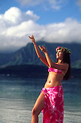polynesian woman, hula, Kaneohe Bay, Oahu, Hawaii<br />
