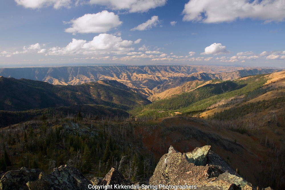 ID00106-00...IDAHO - View over Hells Canyon from Heavens Gate Fire Lookout.
