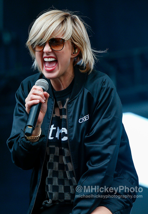 CHICAGO, IL - AUGUST 04: Sarah Barthel of Phantogram performs at Grant Park on August 4, 2017 in Chicago, Illinois. (Photo by Michael Hickey/Getty Images) *** Local Caption *** Sarah Barthel