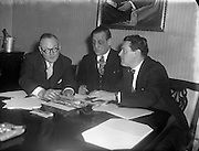 28/12/1956<br /> 12/28/1956<br /> 28 December 1956<br /> <br /> ASPRO Quiz Competition Judges - O'Kennedy Brindley<br /> <br /> Robert Briscoe, Lord Mayor of Dublin, is centre.