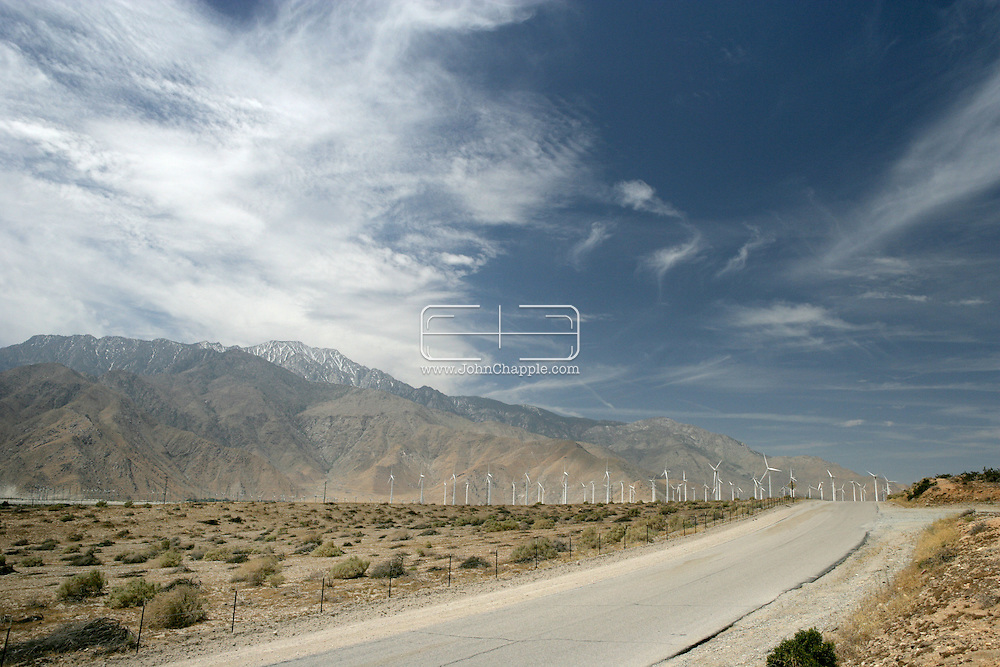 28th April 2008, Palm Springs, California. The wind farm near Palm Springs produces an alternative sources of energy. Wind turbine generators are much less harmful to the environment than burning fossil fuels, but they do require average wind speeds of at least 21 km/h (13 mph). The largest of these windmills stands 150 feet tall with blades half the length of a football field.PHOTO © JOHN CHAPPLE / REBEL IMAGES.john@chapple.biz    www.chapple.biz