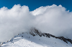 THEMENBILD - ein Bergrücken mit Wolken und Liftanlage aufgenommen am 14. April 2017 am Kitzsteinhorn Gletscher, Kaprun Österreich // A ridge with clouds and a lift at the Kitzsteinhorn Glacier Ski Resort, Kaprun Austria on 2017/04/14. EXPA Pictures © 2017, PhotoCredit: EXPA/ JFK