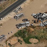 Oaxaca, Oax.- Camiones y vehiculos que fueron quemados por simpatizantes de la Asamblea Popular de los Pueblos de Oaxaca (APPO), son concentrados en un terreno de la rivera del rio Atoyac. Agencia MVT / Mario Vazquez de la Torre. (DIGITAL)<br /> <br /> <br /> <br /> NO ARCHIVAR - NO ARCHIVE