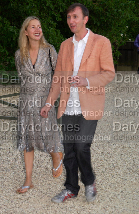 Iwana Blazwick and Keith Coventry. Mollie Dent-Brocklehurst and Vanity Fair host  the opening of 'Vertigo'  a mixed art exhibition at Sudeley Castle. Winchombe, Gloucestershire. 18 June 2005. ONE TIME USE ONLY - DO NOT ARCHIVE  © Copyright Photograph by Dafydd Jones 66 Stockwell Park Rd. London SW9 0DA Tel 020 7733 0108 www.dafjones.com