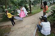 Shooting wedding photos at Botanic Gardens.