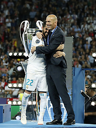 (L-R) Isco of Real Madrid, coach Zinedine Zidane of Real Madrid during the UEFA Champions League final between Real Madrid and Liverpool on May 26, 2018 at NSC Olimpiyskiy Stadium in Kyiv, Ukraine