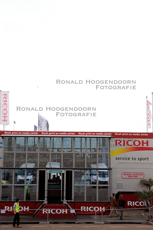 01-06-2008 VOLLEYBAL: DUTCH MASTERS BEACHVOLLEYBALL: SCHEVENINGEN<br /> Ricoh Mediacenter media attributen item opname tv creative<br /> &copy;2008-WWW.FOTOHOOGENDOORN.NL