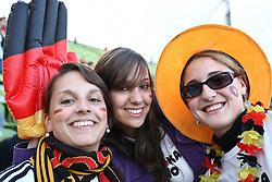 23.06.2010, Olympiapark, Muenchen, GER, FIFA Worldcup, Puplic Viewing Ghana vs Deutschland  im Bild Weibliche Fans mit grofler Hand. EXPA Pictures © 2010, PhotoCredit: EXPA/ nph/ Straubmeier