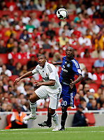 Photo: Richard Lane/Richard Lane Photography. SV Hamburg v Real Madrid. Emirates Cup. 02/08/2008. Real's Robinho is challenged by Hamburg's Collin Benjamin.