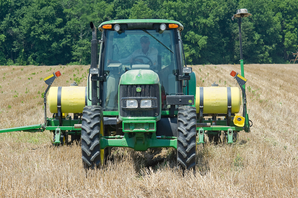 Planting corn over stubble in Sudlersville MD