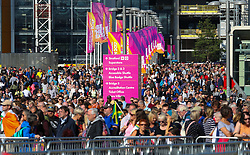 London, 2017-August-05. Crowds wait for the turnstiles to open at the London Stadium ahead of the evening session on day two ofthe IAAF World Championships London 2017. ©Paul Davey.