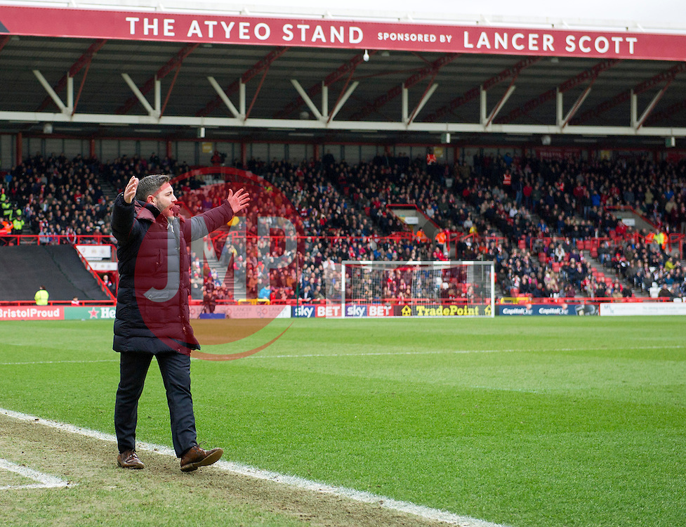 Lee Johnson head coach of Bristol City in the side-line at Ashton Gate - Mandatory by-line: Paul Knight/JMP - Mobile: 07966 386802 - 19/03/2016 -  FOOTBALL - Ashton Gate Stadium - Bristol, England -  Bristol City v Bolton Wanderers - Sky Bet Championship
