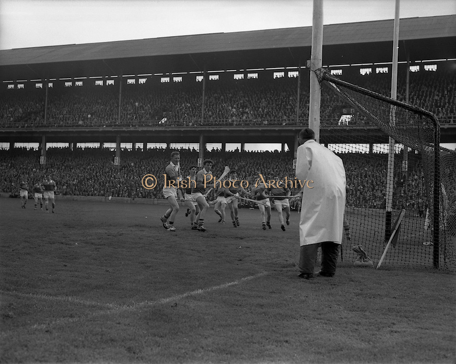 01/09/1968<br /> 09/01/1968<br /> 1 September 1968<br /> All-Ireland Senior Hurling Final: Tipperary v Wexford at Croke Park, Dublin. <br /> In came the ball from Wexford's J. O'Brian and the crowd roared as it went into the net, but the ref's whistle had gone off beforehand. However, the try set the Wexford team off on their road to victory.